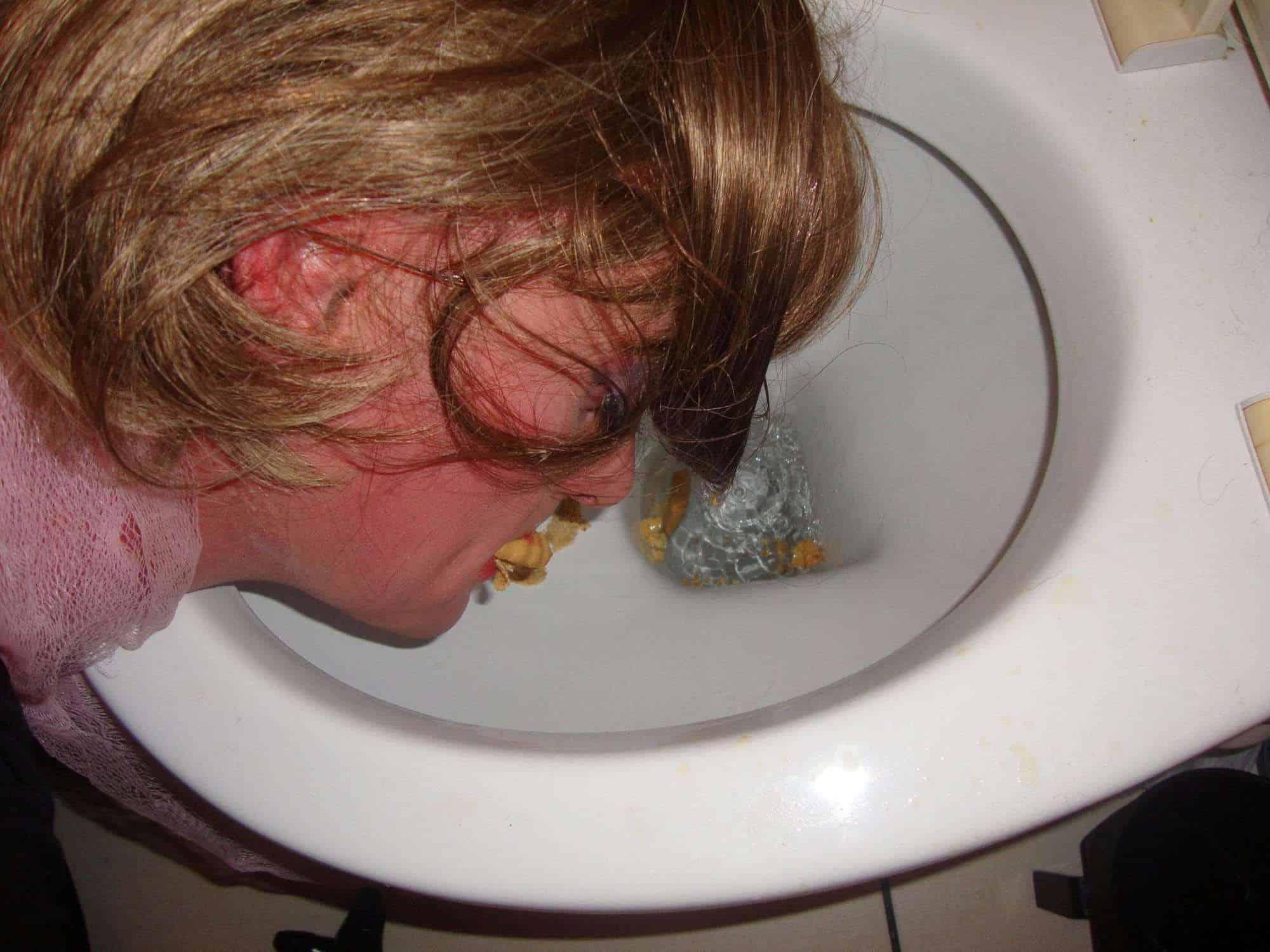 sissy toilet cleaner, sissy humiliated